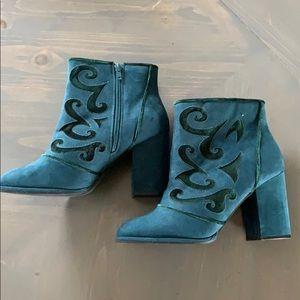 NWOT Avenue Cloud Walkers Broome Boots Emerald 10